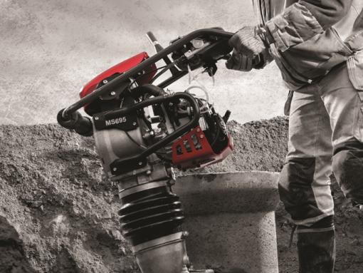 Hutnicí pěch CP - ergonomické ovládání, úzký profil, pohon Honda